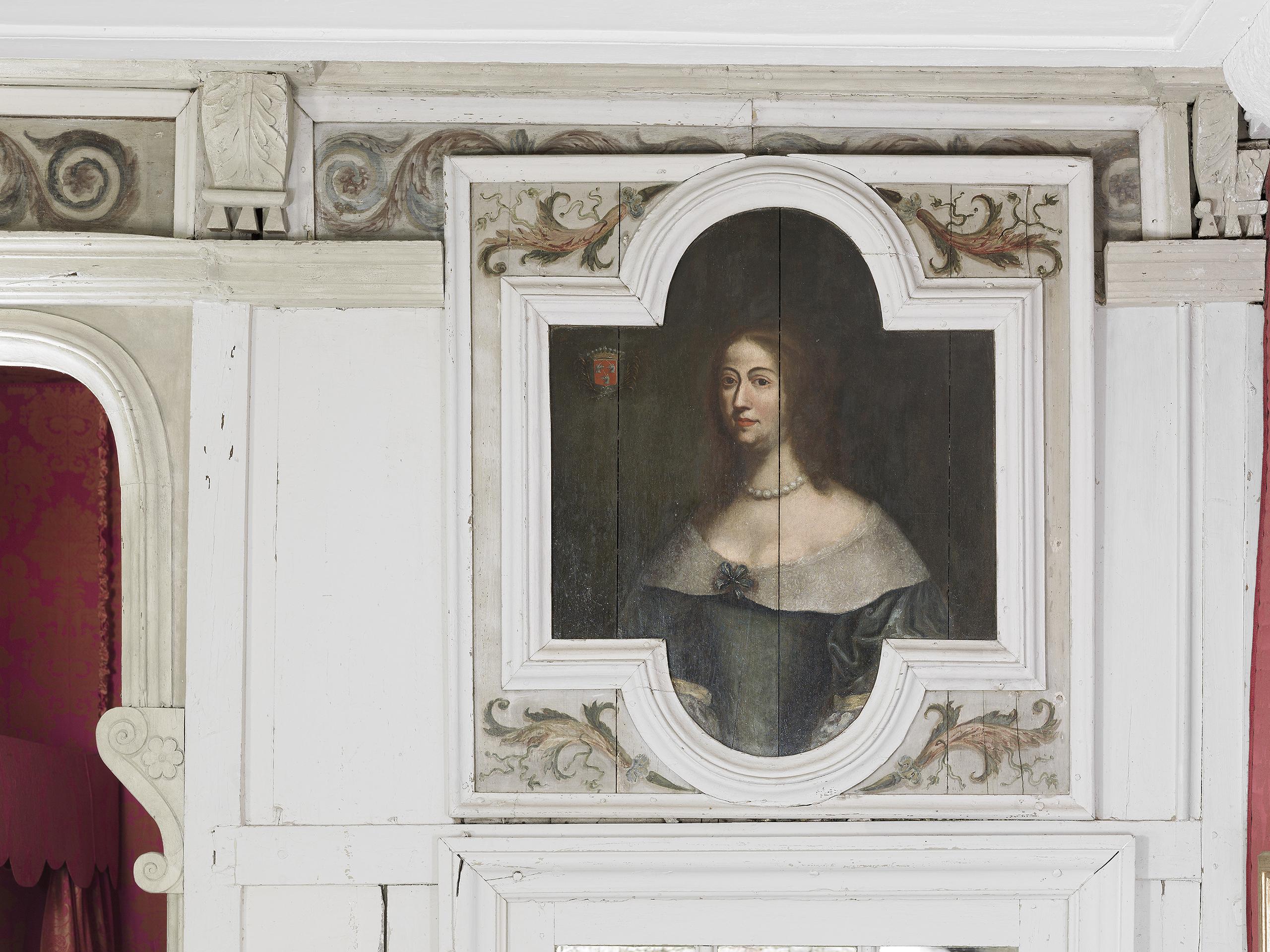 """Portrait de Marguerite Fauche de Domprel, épouse de Charles de Vienne, peint sur les boiseries de la chambre dite """"de Vienne"""""""