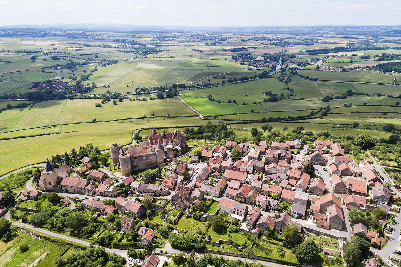 Le village de Châteauneuf et le château