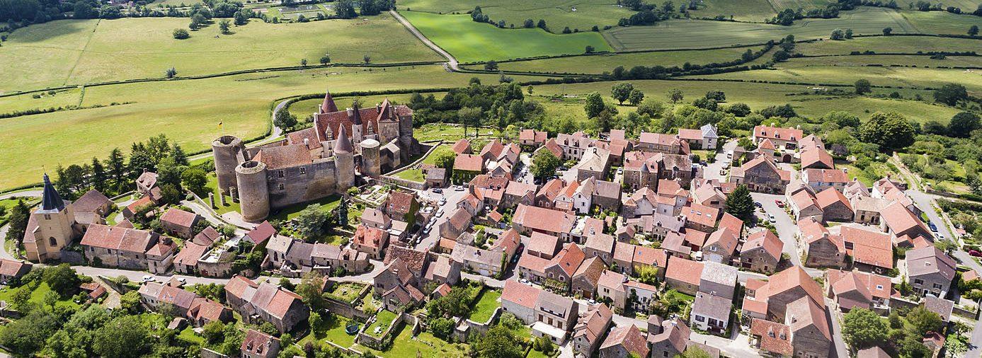 Le village de Châteauneuf et le château©Ch.Fouquin